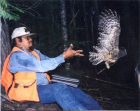 Justin Martinez and Owl, picture by P. Heemsah